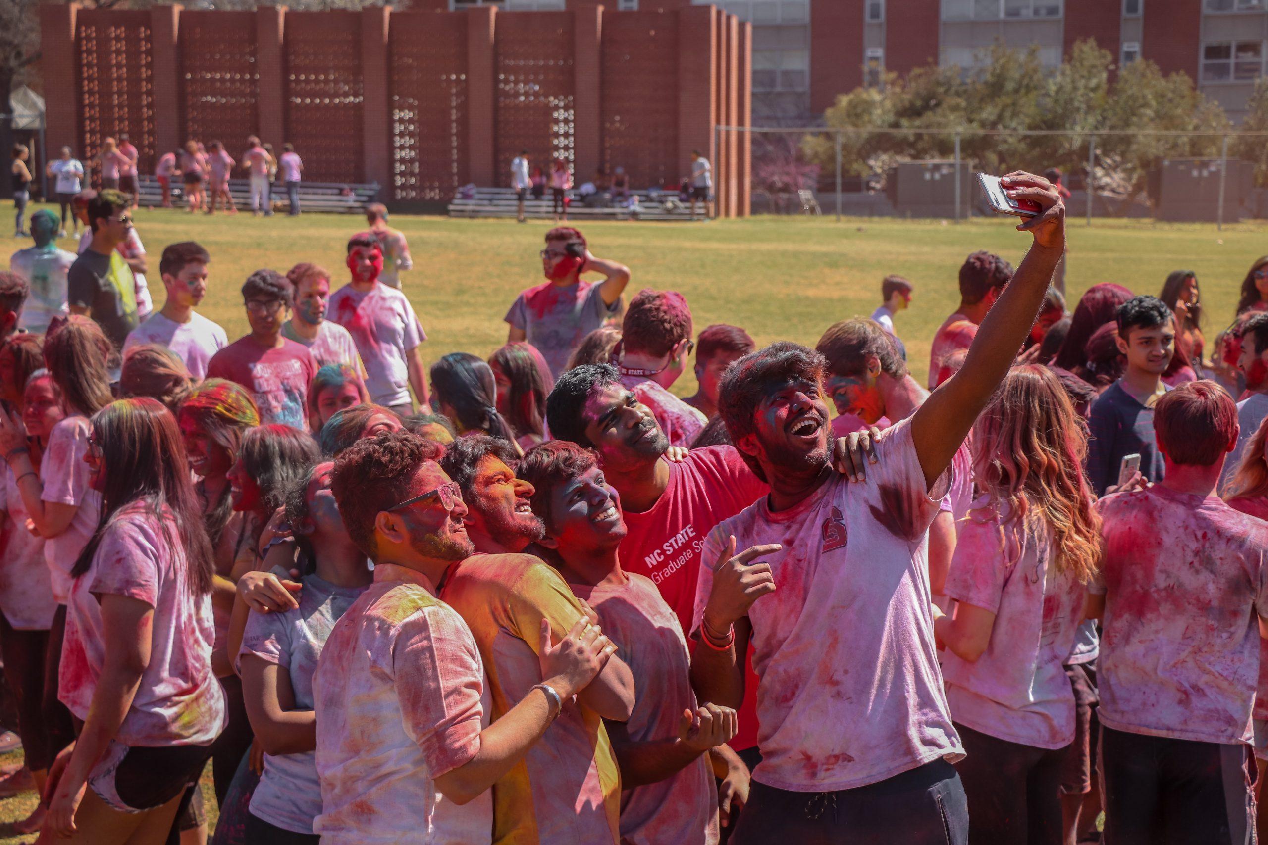 Holi selfie Delhi University